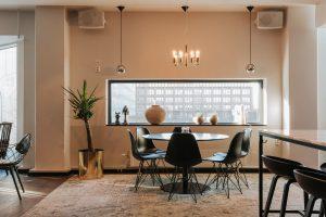 Ett fint middagsbord hos Hotell Plaza. Fotograf: Henrik Mill