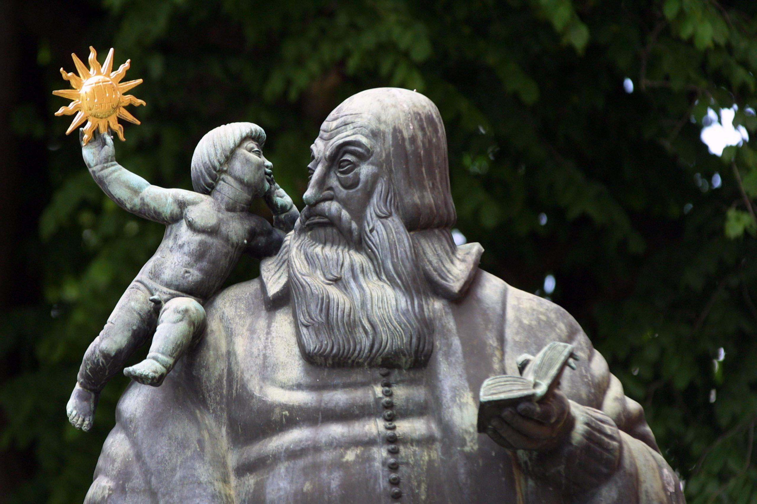Biskop Johannes Rudbeckius staty. Fotograf: Clifford Shirly