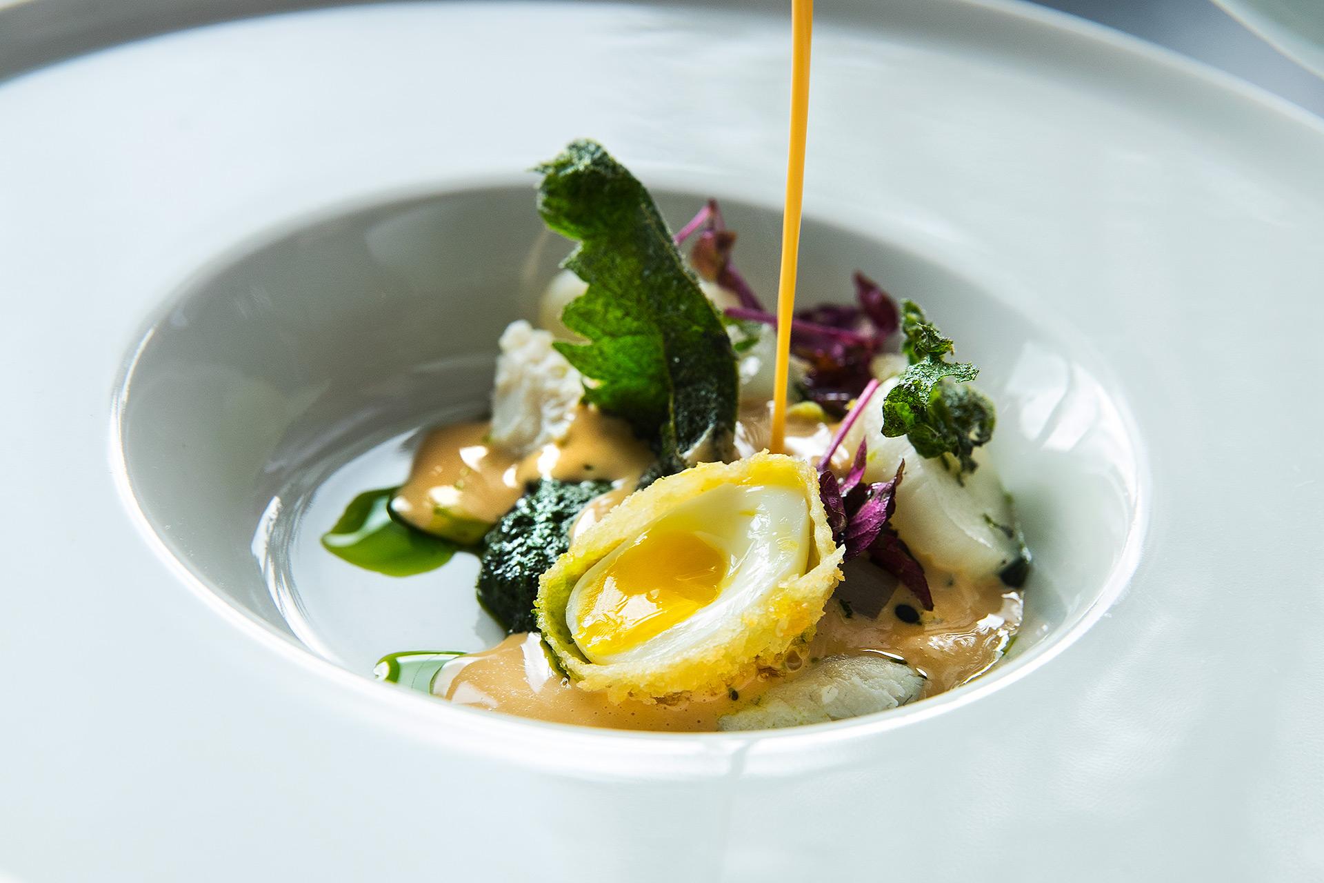 Uppläggning av mat från White Guide restaurangen Pråmen. Fotoa: Pressbild