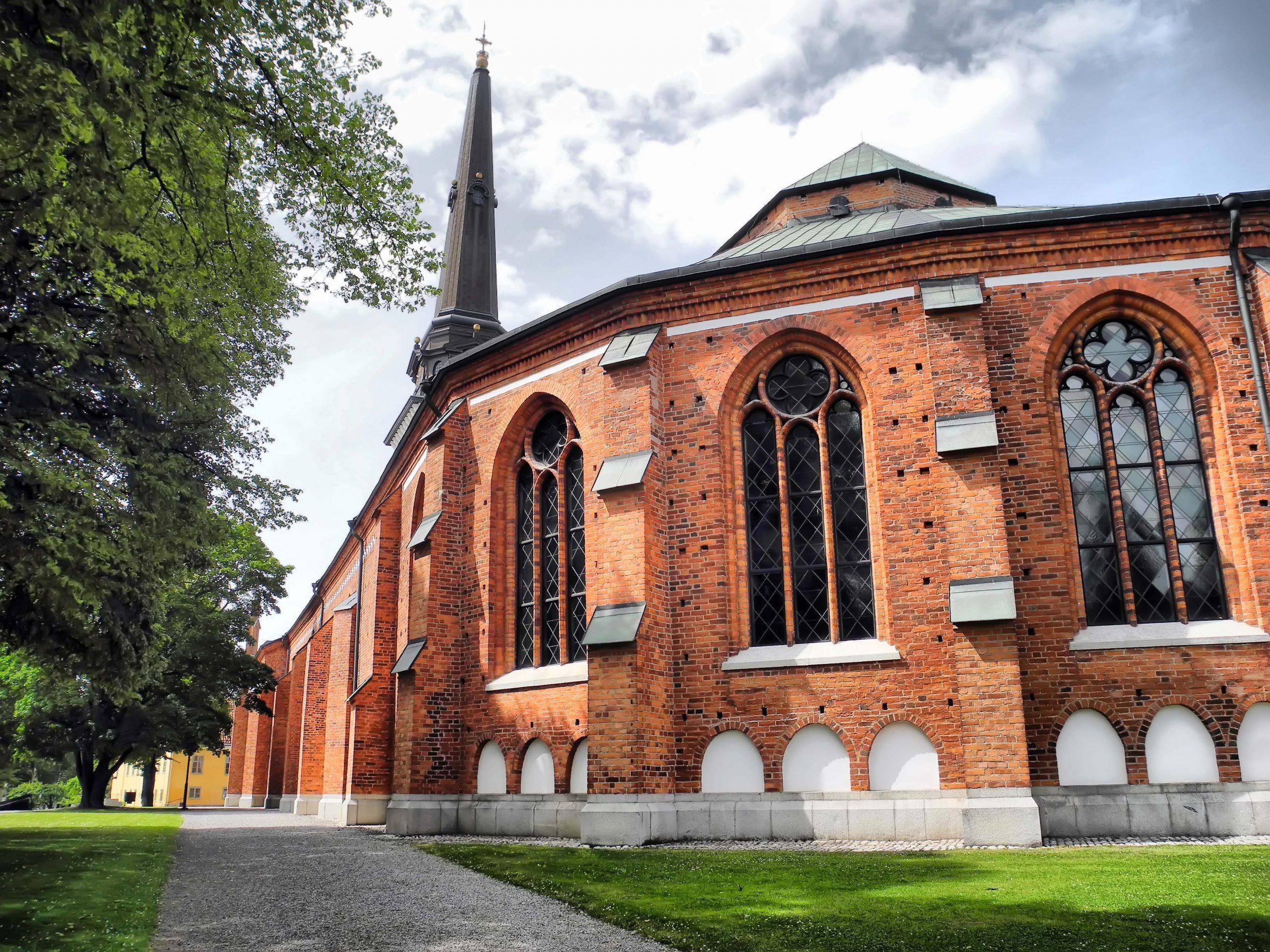 Västerås domkyrka med kyrktornet i bakgrunden. Fotograf: Lars-Ove Törnebohm