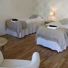 Bilden visar ett rum på Orresta Golf och Konferens.