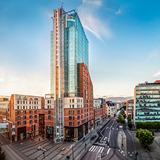 Bilden visar byggnaden, Skrapan, som Best Western Plus Hotel Plaza ligger i.