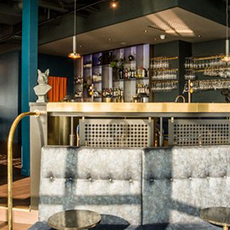Baren på Sky Bar, Hotel Plaza. Foto: Pressbild