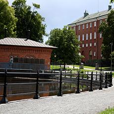 Bilden visar turbinhuset från utsidan