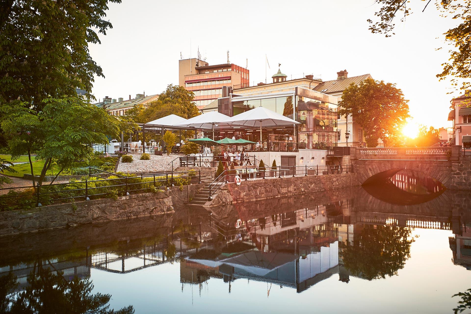 Brasserie Stadsparken i solnedgång. Fotograf: Pia Nordlander