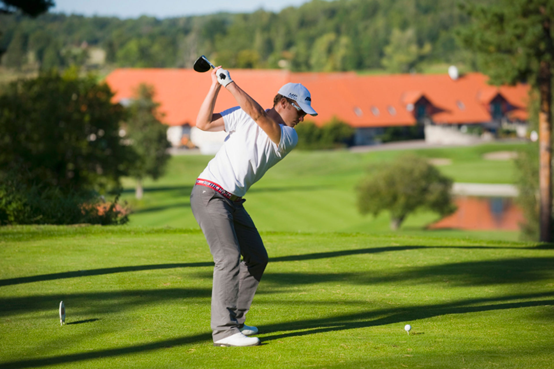 Golfare på Frösåker Golfklubb i Västerås. Fotograf: Lennart Hyse