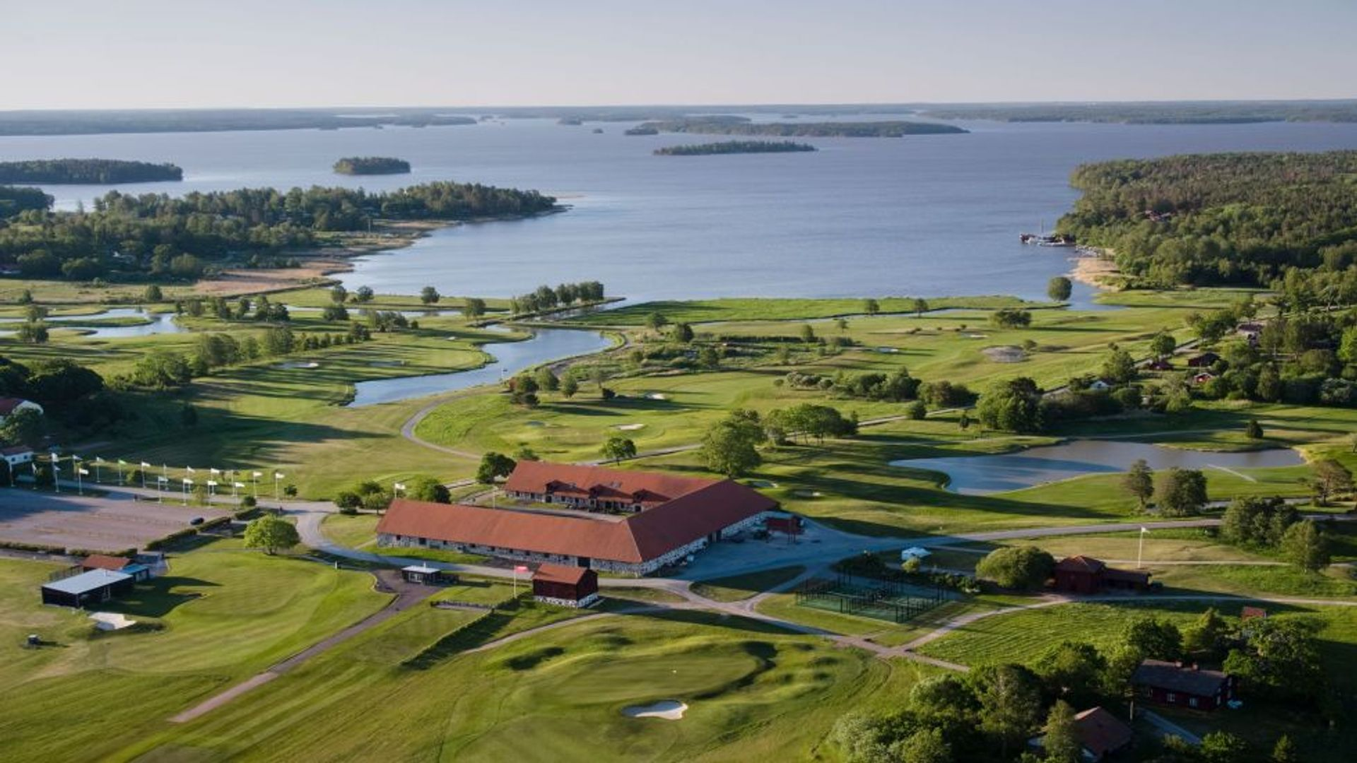Vybild över Frösåker golfklubb. Fotograf: Pressbild