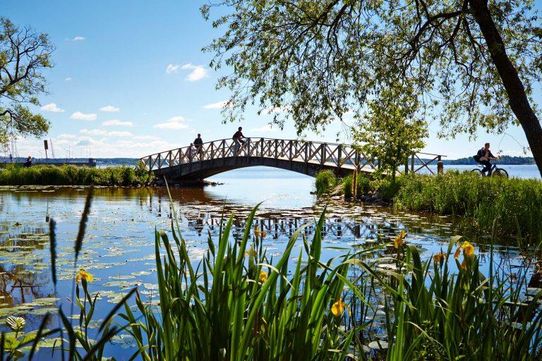 Bro över Mälaren vid Lögarängen i Västerås. Foto: Hans Nordlander